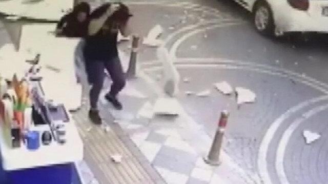 Anne ve kızının üzerine dış cephe kaplamaları yağdı