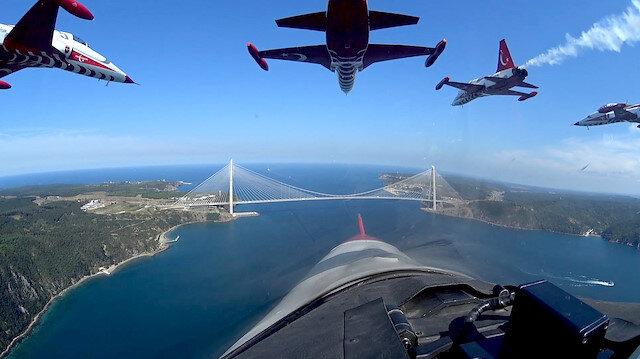 مشاهد مثيرة لإسطنبول من قمرة قيادة طائرات