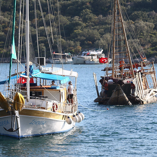 سفينة تحاكي مراكب العصور القديمة تصل أنطاليا التركية
