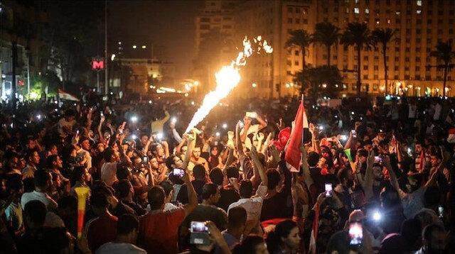 Mısır'da Sisi karşıtı protestolar: Yüz binler sokağa indi