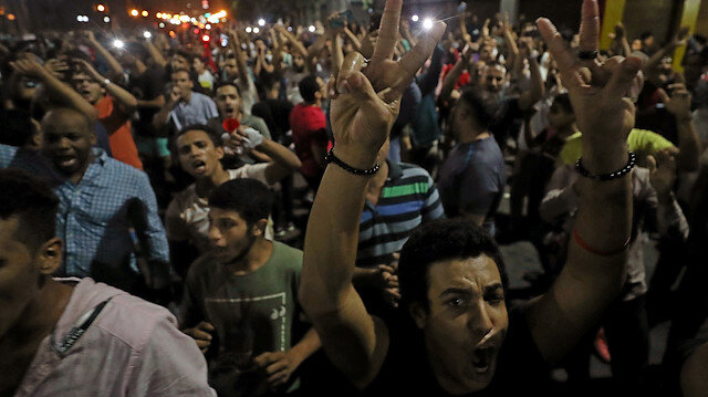 Small groups of protesters gather in central Cairo shouting anti-government slogans in Cairo