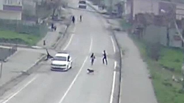 Köpeğin kovaladığı küçük çocuğa otomobil çarptı