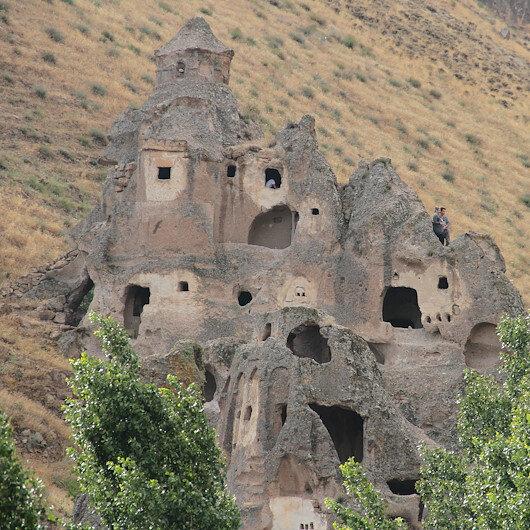 """وادي """"صوغانلي"""" .. """"كبادوكيا """" صغيرة في قيصري التركية"""