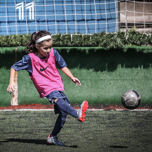 Turkish minor defies 'Girls can't play football' cliche
