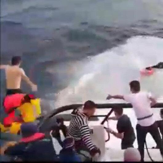 Kahraman Mehmetçik dev dalgaların arasına atlayarak göçmenleri kurtardı