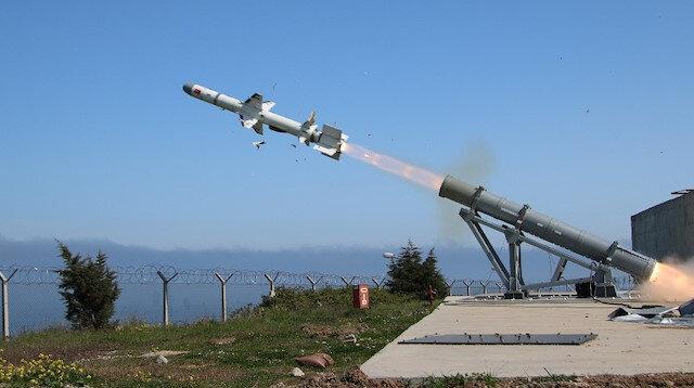 Tam isabet: Türkiye'nin ilk deniz füzesi Atmaca hedefi başarıyla vurdu