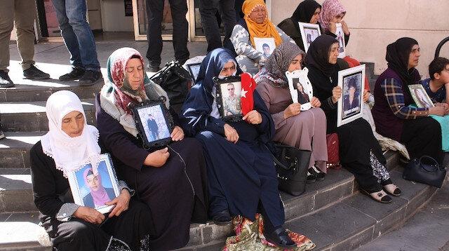 Annelerin HDP önündeki evlat nöbeti 24'üncü gününde: Diğer annelere çağrı yapıldı