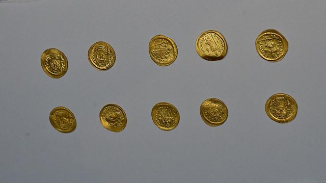 Çanakkale'de Bizans dönemine ait define bulundu: Bin 700 yıl önce de altın biriktirmişler