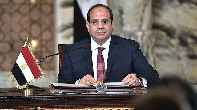 Mısır'daki protestolar devrimi değil darbeyi işaret ediyor