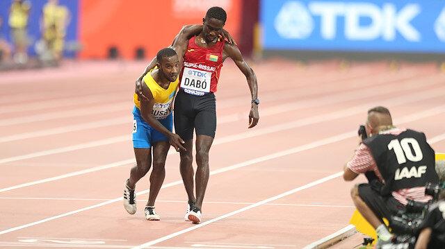 Atletizm tarihine geçen anlar: Sakatlanan rakibini taşıdı