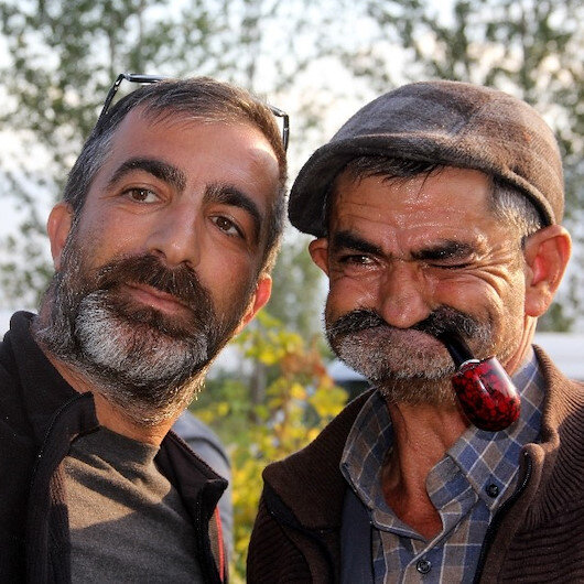 Erzincanlı Temel Reis görenleri şaşırtıyor: Vatandaşlar fotoğraf çektirmek için fırsat kolluyor