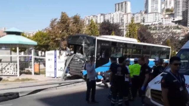 Mamakta halk otobüsü durağa girdi