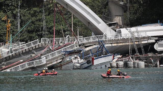 Tayvanda 21 yıllık köprü çöktü