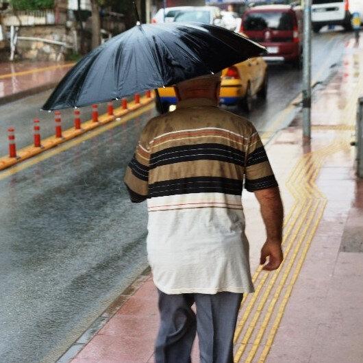 Meteorolojiden yağış ve fırtına uyarısı: Yarın akşam saatlerinden itibaren başlıyor