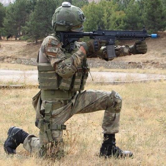 Tunceli'de 2 terörist silahlarıyla birlikte etkisiz hale getirildi