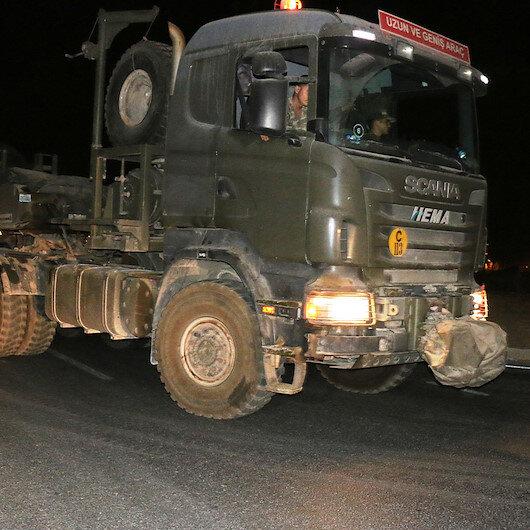 Suriye sınırında konuşlu askeri birliklere takviye amacıyla sevkiyat yapıldı
