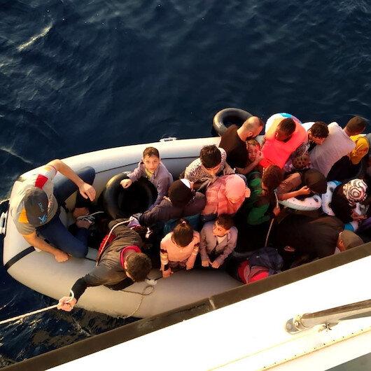 İzmir'de Sahil Güvenlik ekipleri ihbar üzerine harekete geçti: 84 düzensiz göçmen yakalandı