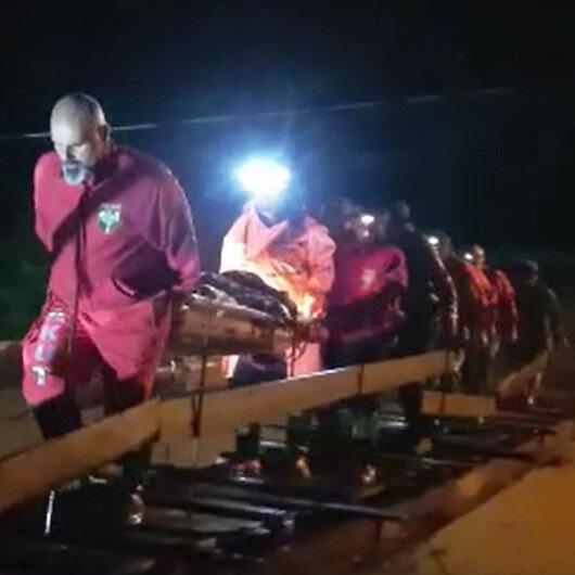 Rize ve Artvin'de sel yolları kapattı: Mahsur kalan 3 kişi kurtarıldı