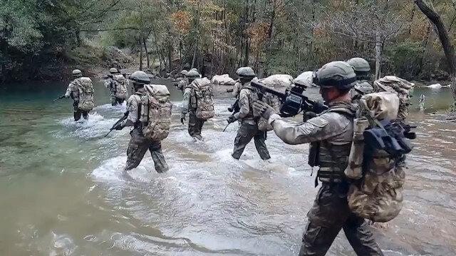 Milli Savunma Bakanlığından komando paylaşımı: Engel tanımaz aşarız