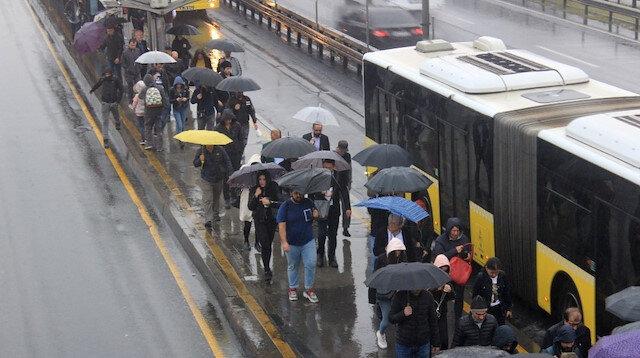Meteoroloji'den kuvvetli sağanak yağış uyarısı: Kuvvetli geliyor