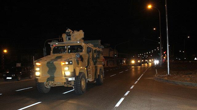 الجيش التركي يرسل تعزيزات إضافية لوحداته على الحدود مع سوريا