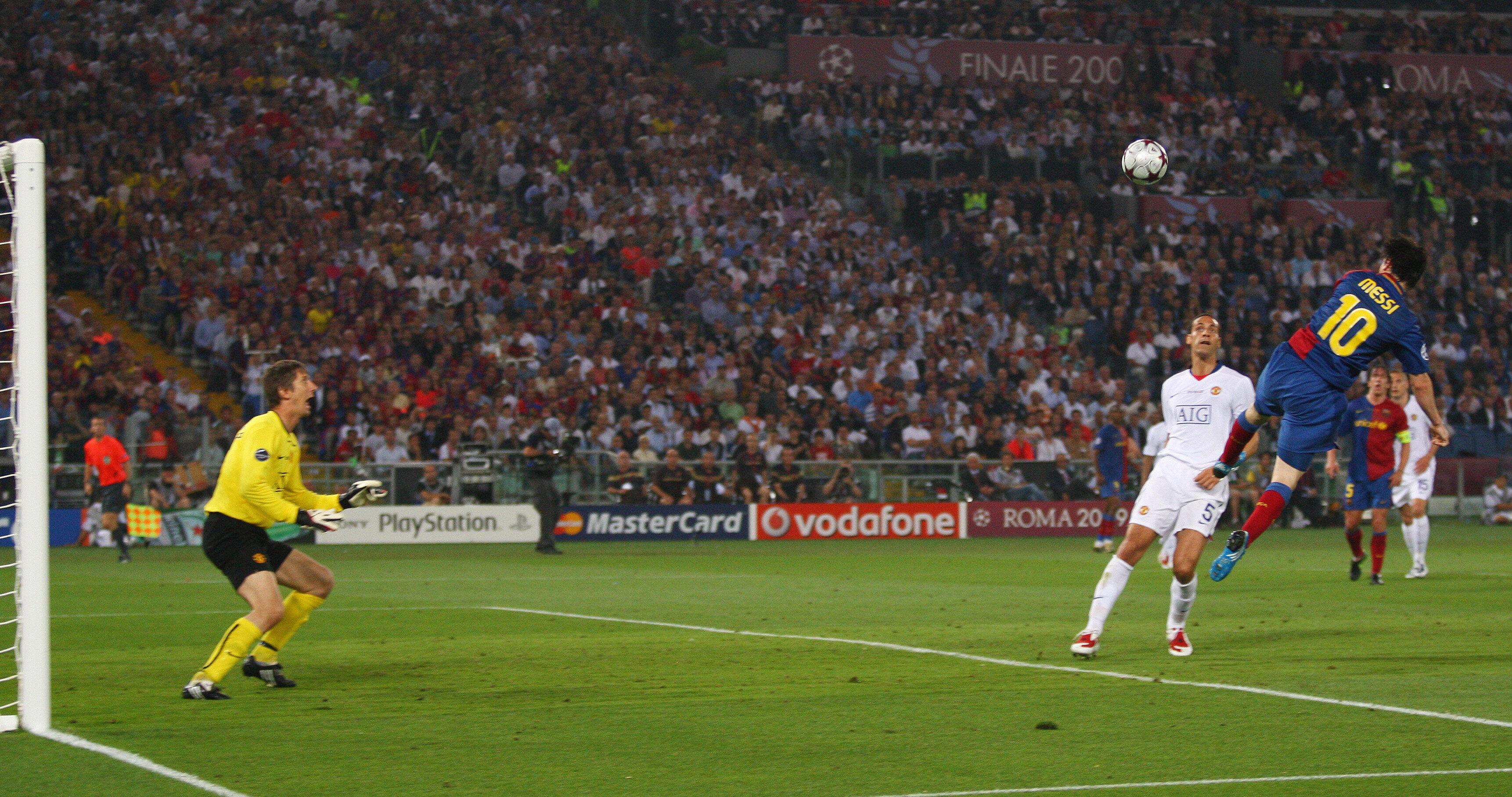 Lionel Messi'nin Manchester United'a attığı kafa golü.