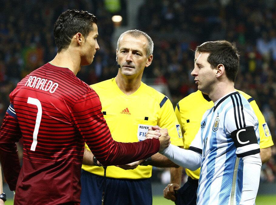 Ronaldo ve Messi sadece kulüp kariyerlerinde değil milli takımda da birbirlerine rakip olmuştu.