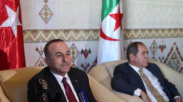 تشاووش أوغلو: نولي أهمية كبيرة لاستقرار الجزائر
