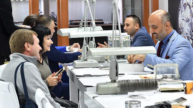 800'ün üzerinde firma ve markayı 19 bin mücevher alıcısını bir araya getiriyor: Istanbul Jewelry Show başladı