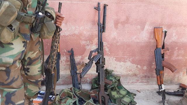 Köyler teröristlerden arındırılıyor: Tel Abyad'da YPG/PKK'lılar silahlarını bırakarak kaçtı