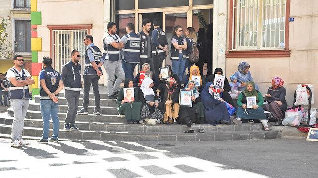 HDP önündeki eylemde 38'inci gün: Barış Pınarı Harekatı kaçmak için bir fırsat