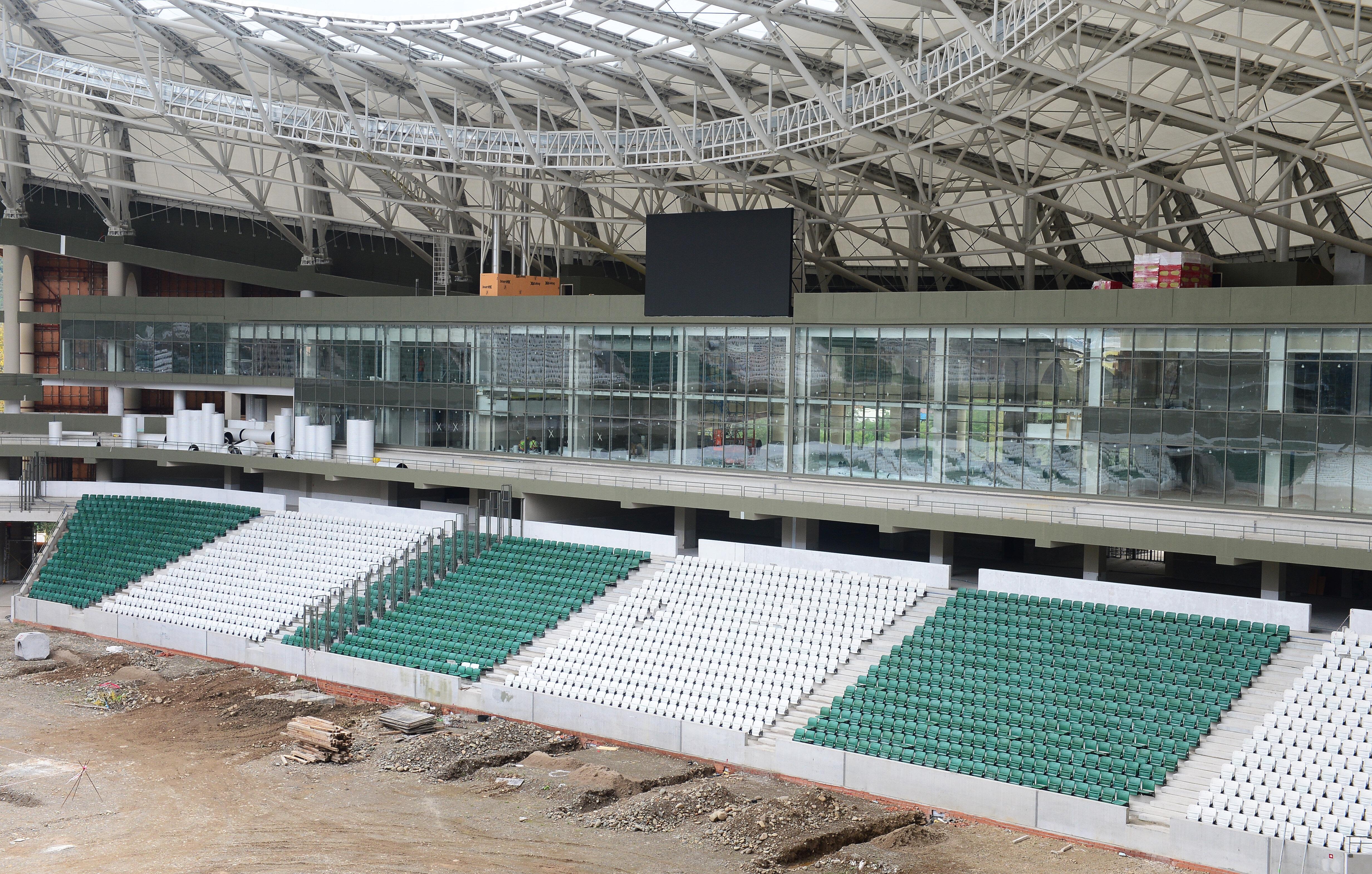 Stadyumun yüzde 90'ı bitti.