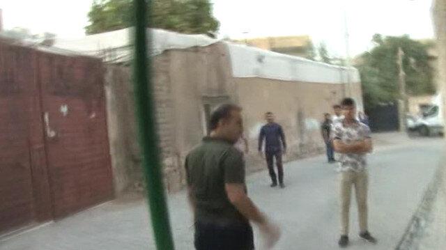 Terör yandaşları görüntü almak isteyen muhabiri darp ederek telefonunu gasp etti