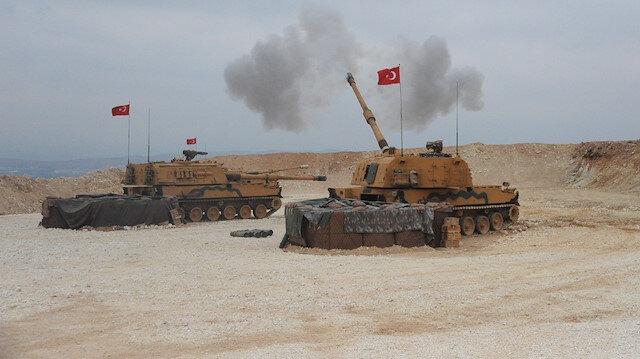 Barış Pınarı Harekatı kapsamında Tel Abyad'da hedefler obüslerle vuruldu