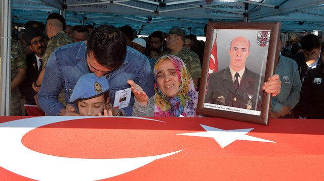 Barış Pınarı şehidi Hacı Bebek'in eşi: Bu bizim düğünümüz, al bayrağı da sana damatlık yaptık