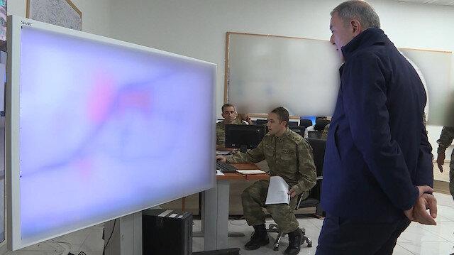 Bakanı Akar Barış Pınarı Harekatı'ndaki son durumu sahada inceledi