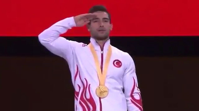 Milli sporcumuz İbrahim Çolak tarihi başarısını asker selamıyla taçlandırdı