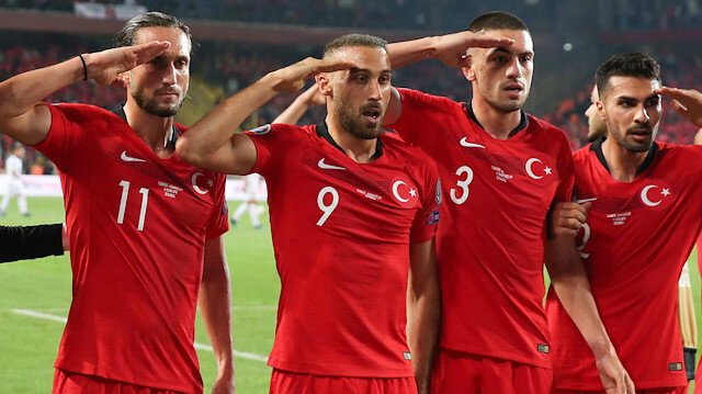 UEFA'dan skandal tutum: 'Asker selamı'na inceleme başlatacaklar