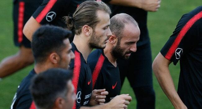 Efecan Karaca, 2, Abdulkadir Parmak ise 1 kez A Milli Takım formasıyla sahaya çıkmıştı.