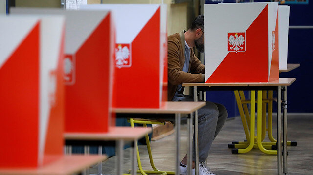 Voting starts in parliamentary elections in Poland