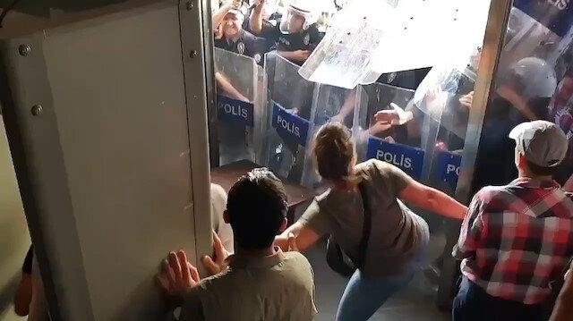 Diyarbakır'da HDP'liler polise saldırdı