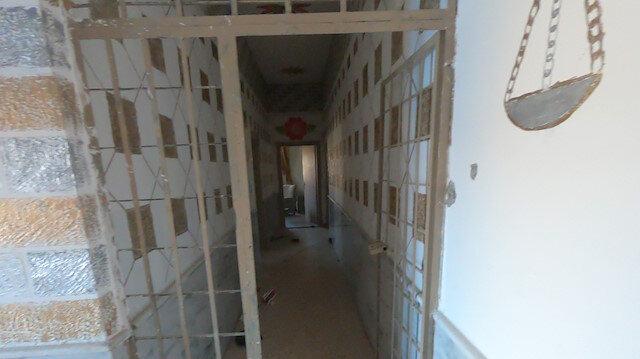 YPG'li teröristlerin içerideki DEAŞ'lıları serbest bıraktığı hapishaneden görüntüler