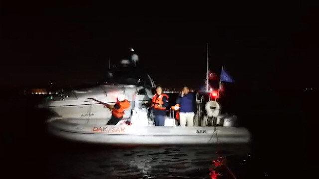 Kadıköy'de tekne kurtarma operasyonu kamerada