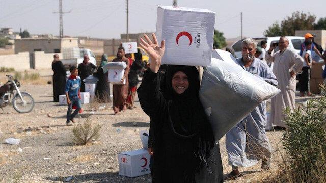 Türk Kızılay'ı Barış Pınar'ı sayesinde terörden arındırılan Tel Abyad'daki 1500 Suriyeli aileye yardımda bulundu