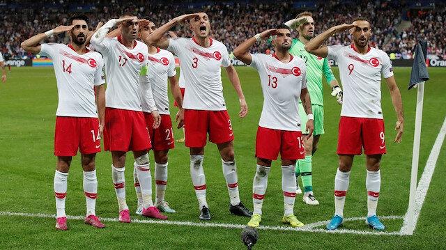 Milli futbolcuların asker selamı Avrupa'yı rahatsız etti: