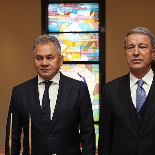 وزير الدفاع التركي يعلن إجراء مباحثات بنّاءة مع نظيره الروسي