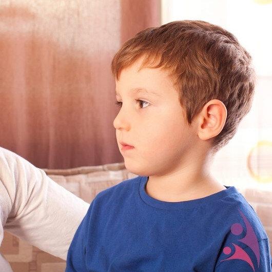 Ebeveynler dikkat: Çocuğunuz her söyleneni sürekli tekrarlıyor mu?