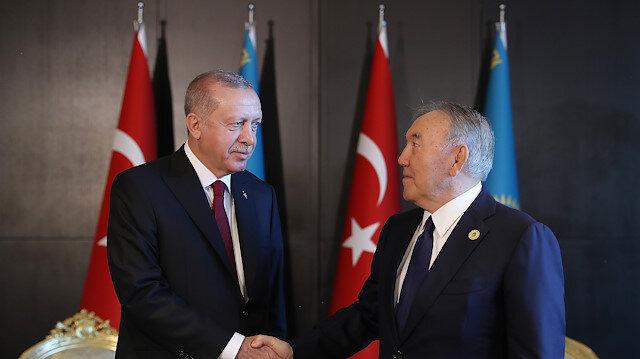 أردوغان يلتقي الرئيس المؤسس لكازاخستان في باكو
