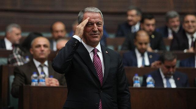 Hulusi Akar'dan AK Parti Grup Toplantısında asker selamı