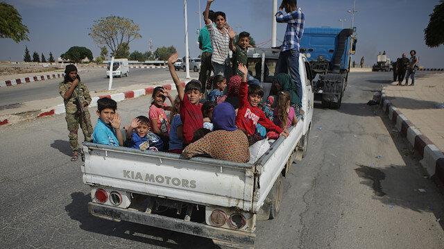 Tel Abyad'a dönüşler başladı: 6 yıl sonra akrabalar kavuştu
